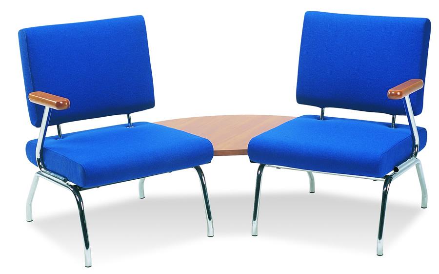 Wartezimmer Sessel mit Tisch verbindbar erweiterbar